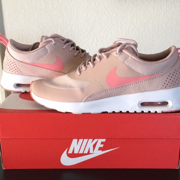 Nike Air Max Thea blush pink